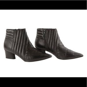 Donald J Pliner Black Leather Quilted Booties Sz 8